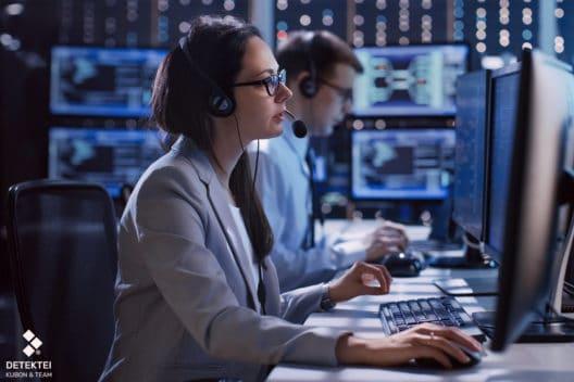 Verfassungsschutz Mitarbeiter überwachen Chat am Pc