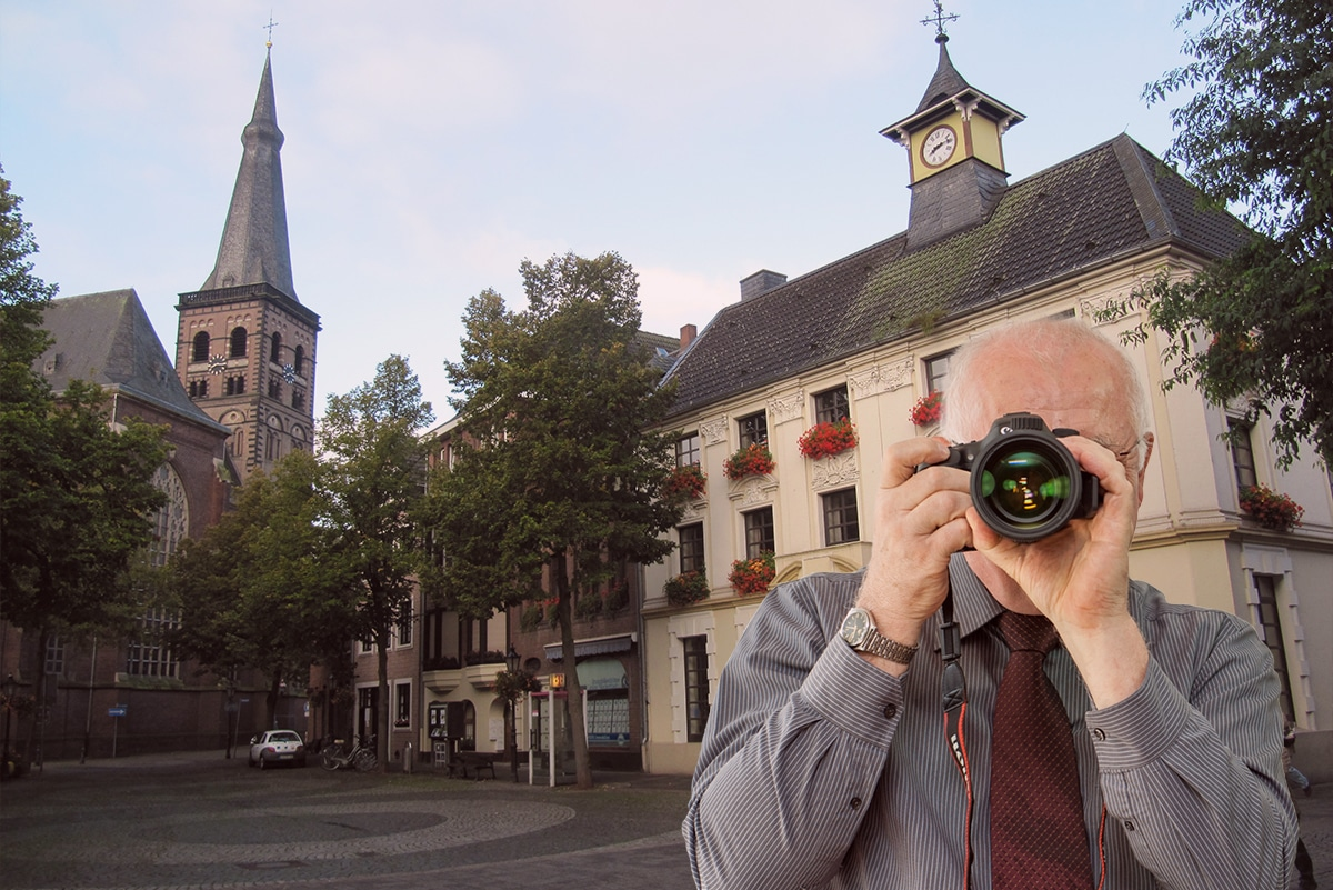 Schriftzug: Detektei Kubon ermittelt in Tönisvorst, Detektiv fotografiert, 4 Detektive zeigen Daumen nach oben.