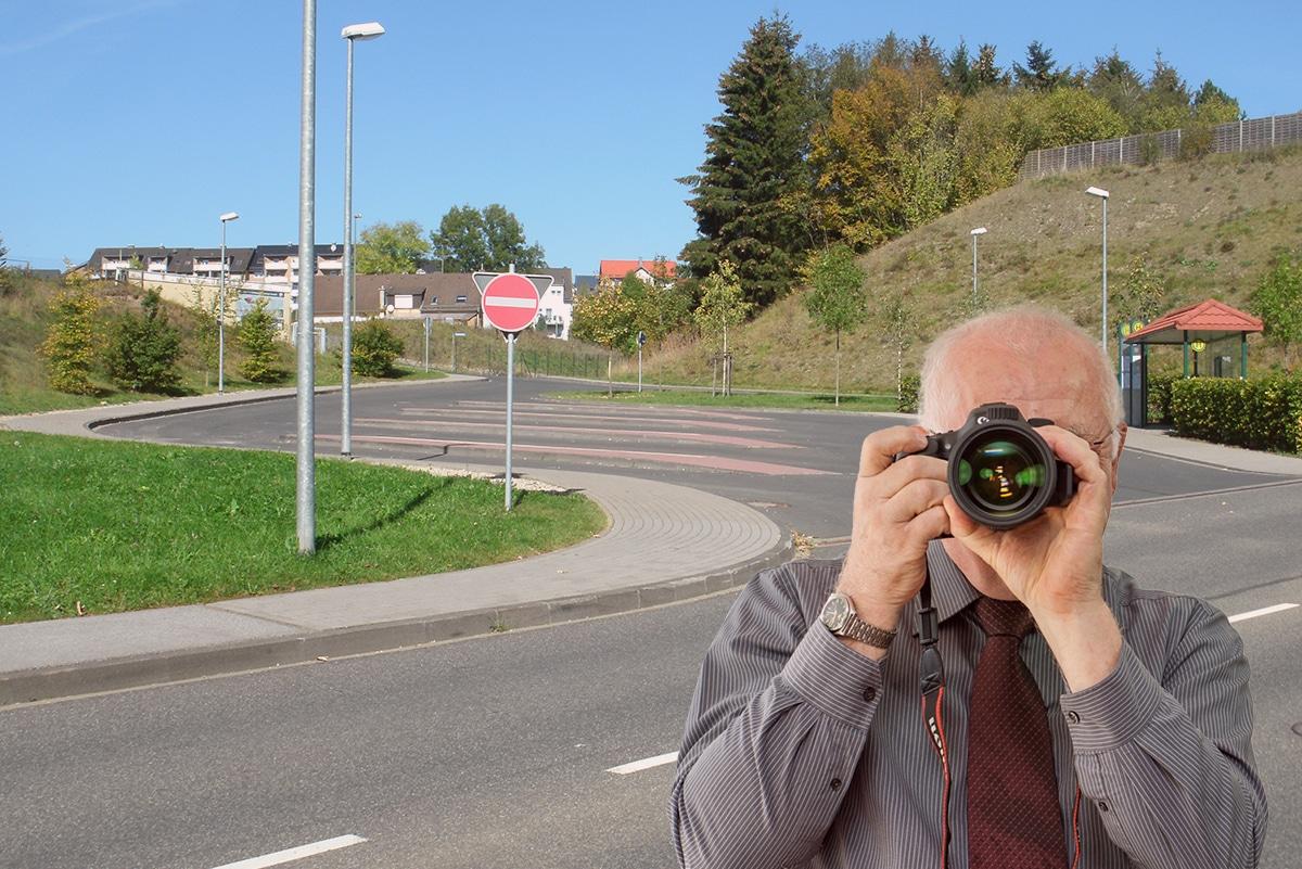 Busbahnhof in Blankenheim, Detektiv der Detektei fotografiert.