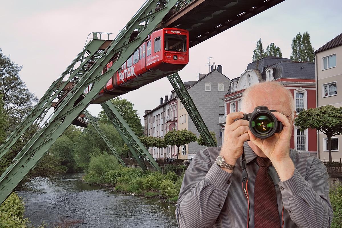 Schwebebahn, Uferstr. Wuppertal, Detektiv zeigt Daumen nach oben, Schriftzug: Unserer Detektei ermittelt für Sie in Wuppertal !