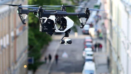 Drohne über Wohngebiet